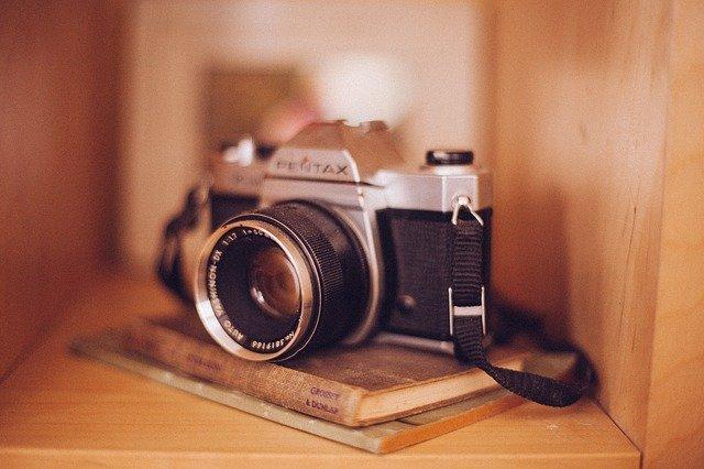 Zrcadlovky dnes přebírají funkci kamery