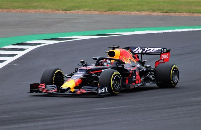 Verstappen v Red Bullu potvrzen až do roku 2023